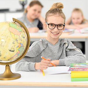 Wyposażenie, meble, pomoce edukacyjne do szkoły